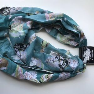 NWT feather print light weight infinity scarf